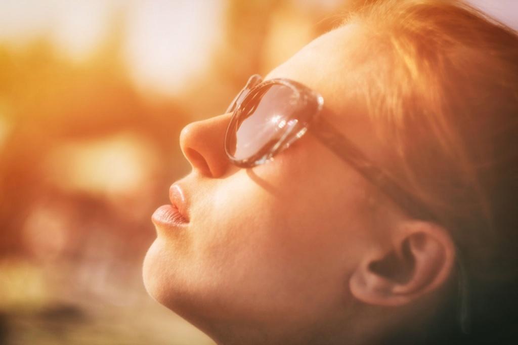 dziewczyna w słońcu