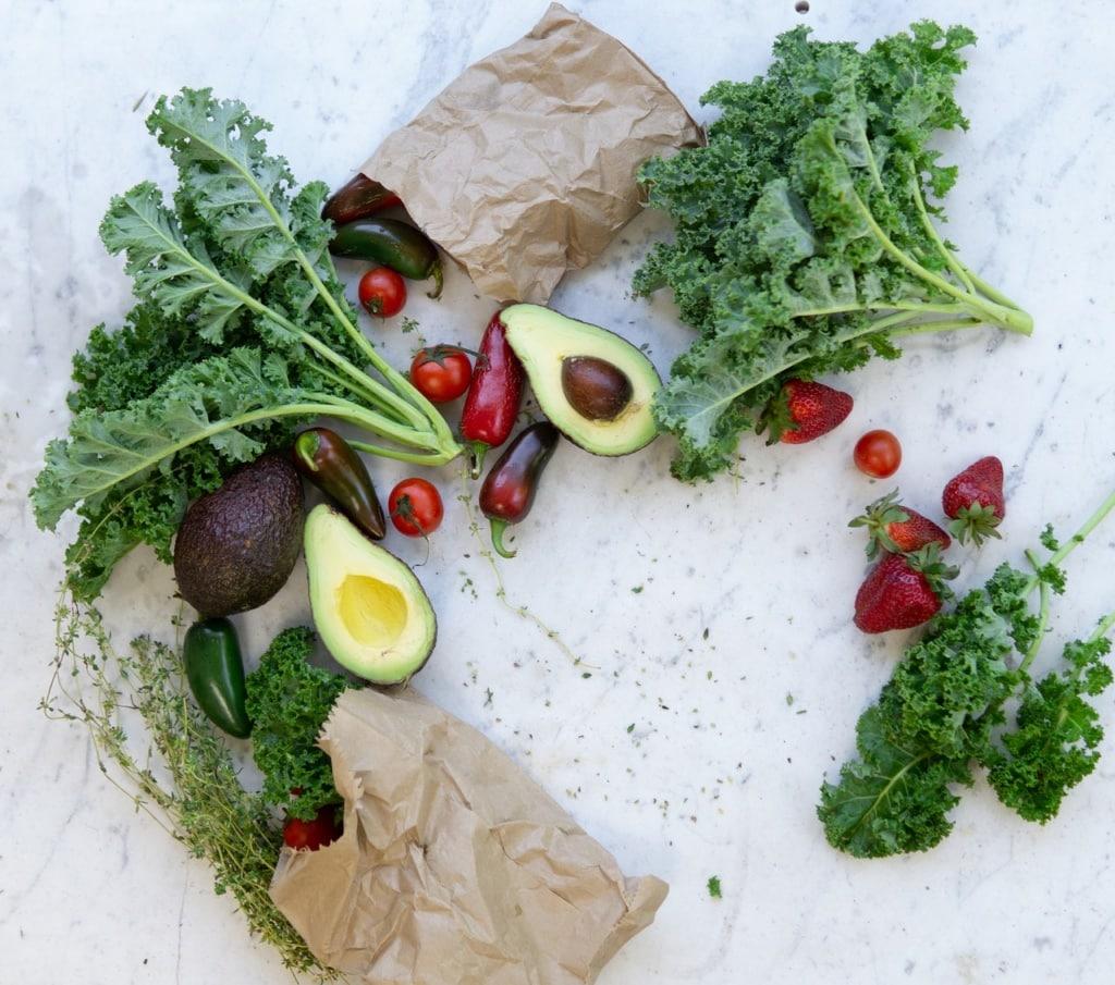 witamina k awokado oraz zielone warzywa